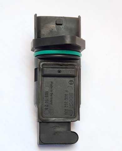 Продам: Датчик расхода воздуха BOSCH (PBT-GF30)