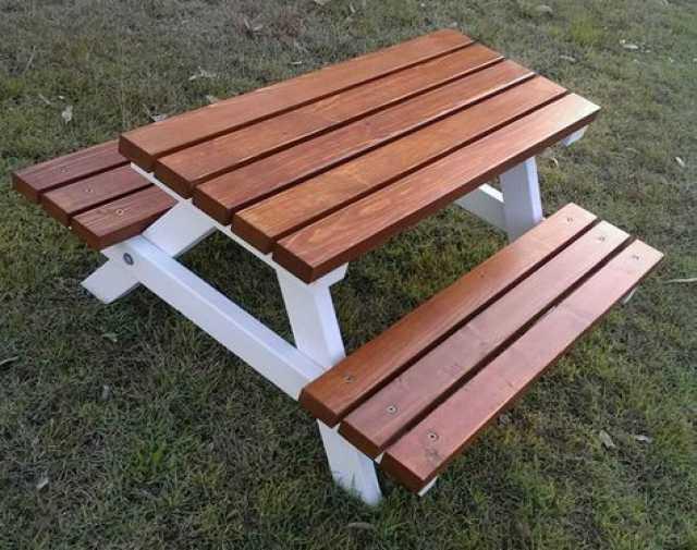 Продам Садовый стол (обеденная группа)