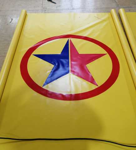 Продам: Мягкое спортивное покрытие с логотипом