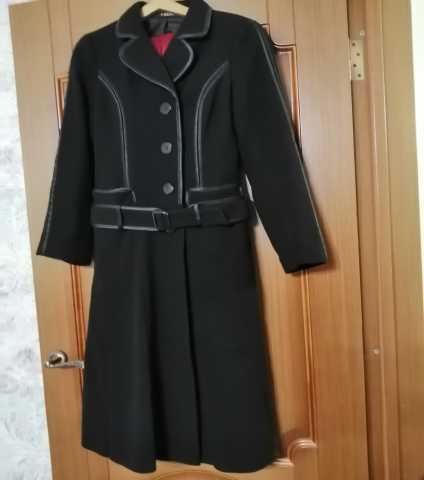 Продам пальто женское демисезонное. Размер 46