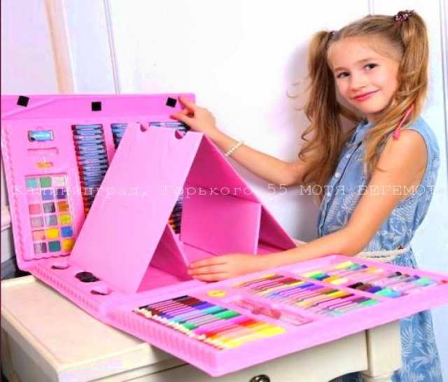 Продам: Набор юного художника в чемодане