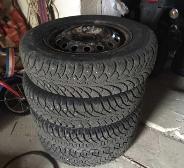 Продам: Зимние шины на штамповках