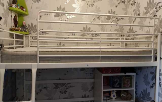 Продам: Кровать чердак Икеа