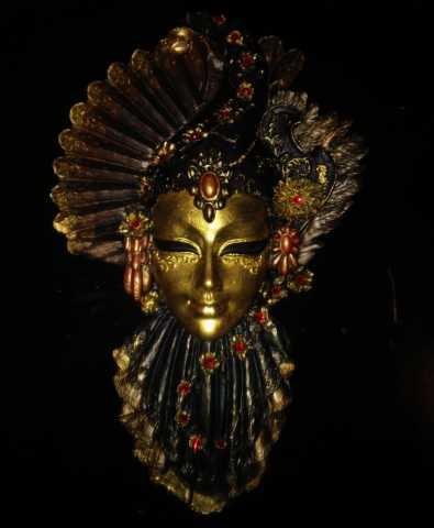 Продам Венецианская маска Рубин
