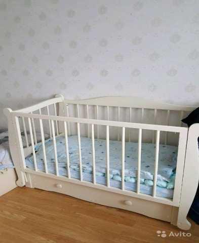 Продам: Детская кроватка с продольным маятником