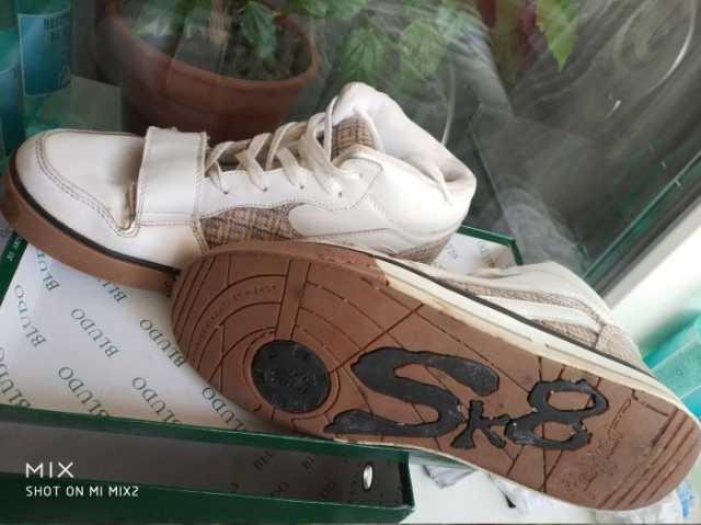 Продам: Кроссовки Wishot размер 41