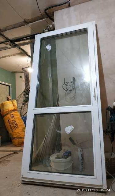 Продам Балконная дверь, пластик, бу