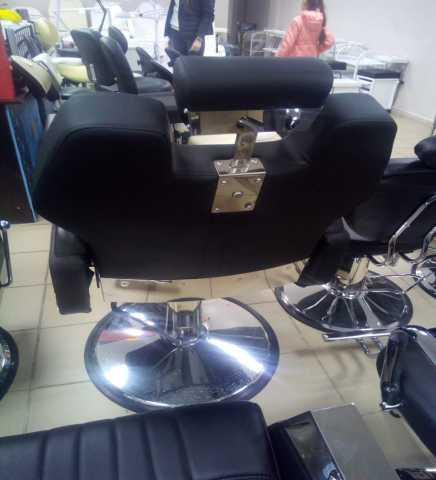 Продам Два барберских кресла и кресло-мойку