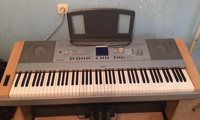 Продам синтезатор Yamaha DGX-640