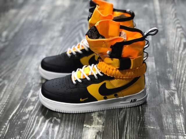 Продам стильные кроссовки