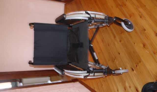 Продам инвалидная коляска новая