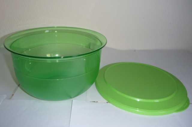 Продам Чаша зелёная 2.1 л Tupperware