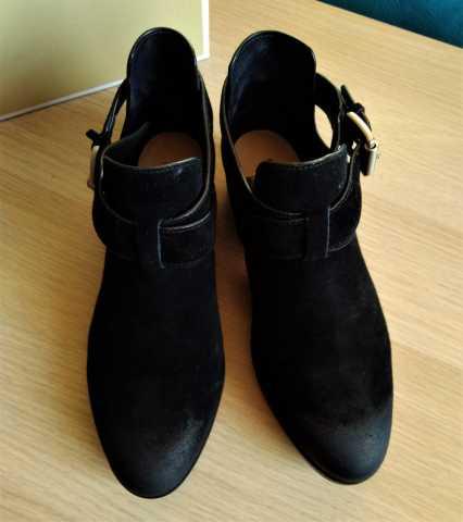 Продам Новые ботинки michael kors