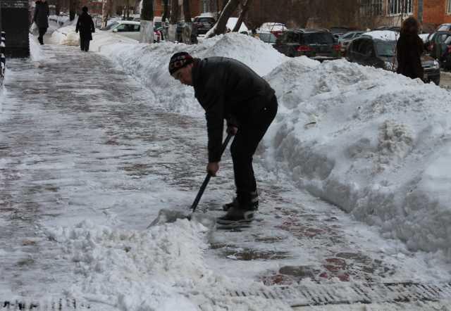 Предложение: Уборка снега в ручную 89379678203