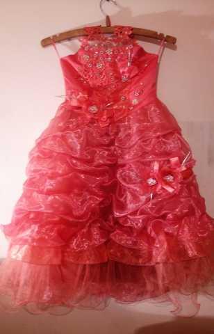 Продам: Красивые платья на девочек от 4-7 лет