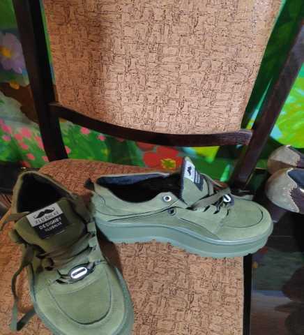 Продам Продам кроссовки