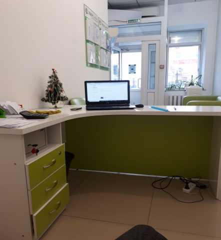 Продам столы офисные