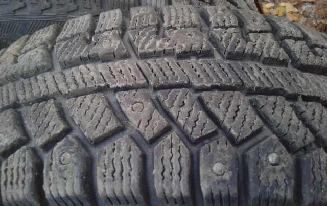 Продам Одна зимняя шина 195/65 R-15