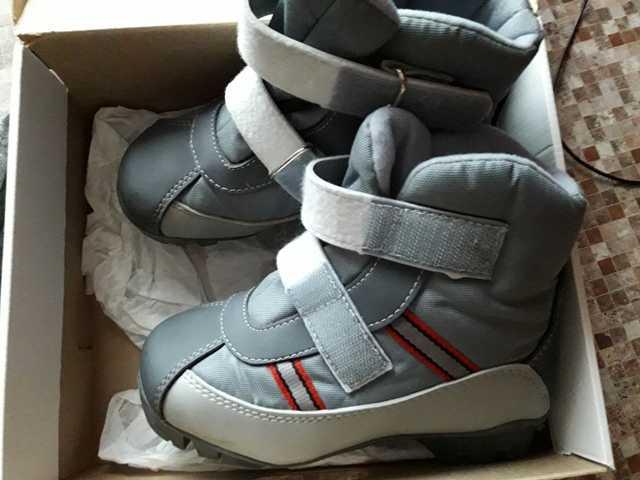 Продам Детские лыжные ботинки Spine Baby