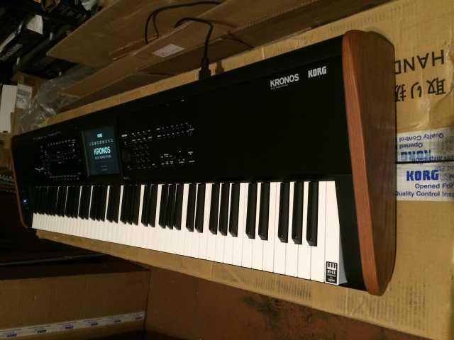 Продам Korg KRONOS 2 88 клавишная клавиатура