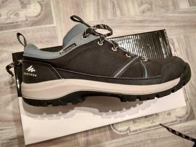 Продам: Ботинки quechua