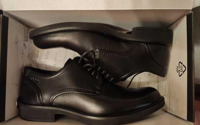 Продам Новые мужские туфли ecco