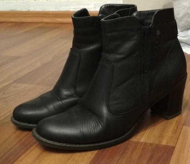 Продам: Кожаные осенние сапоги