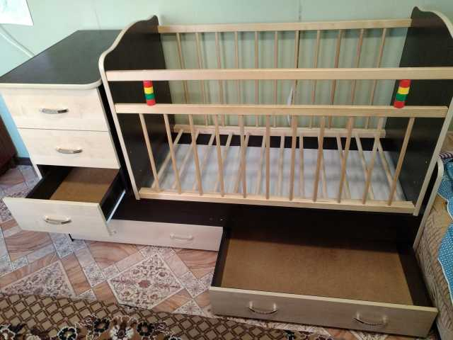 Продам: Детская Кровать Трансформер с Маятником