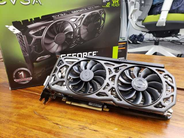 Продам EVGA-GeForce-GTX-1080-Ti-SC-Black-Editio