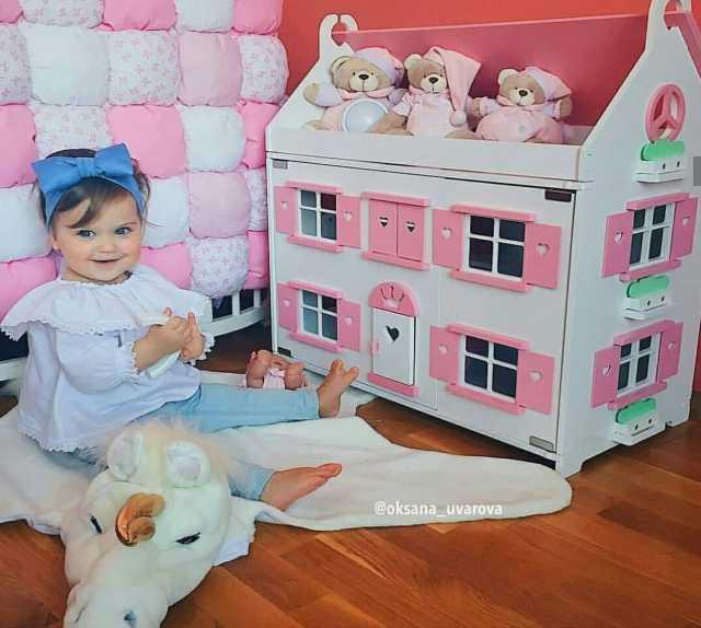 Продам Большой кукольный дом