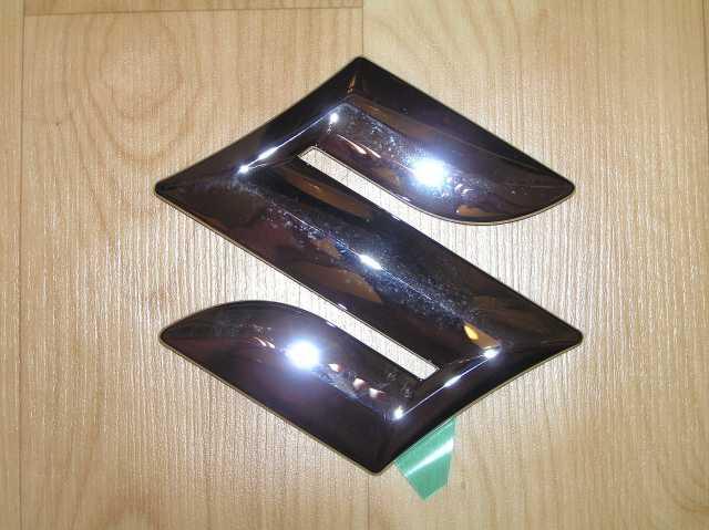 Продам: Эмблема Suzuki Grand Vitara