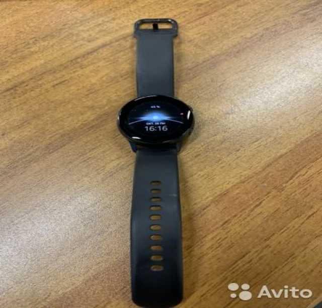 Продам SAMSUNG Galaxy Watch Active Black