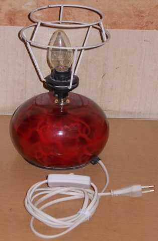 Продам Лампа настольная