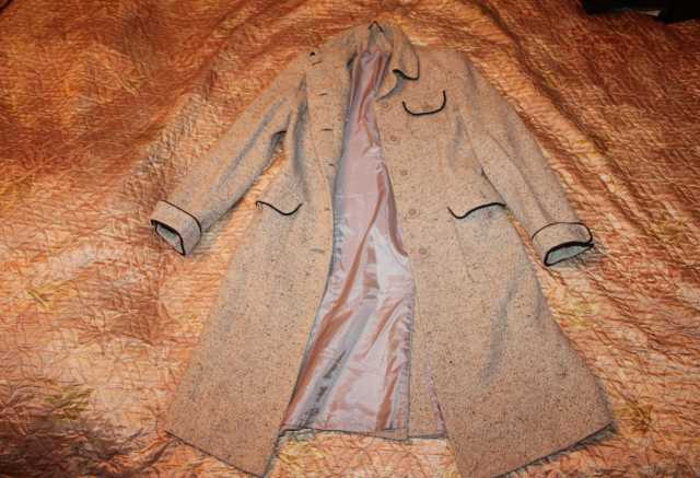 Продам Продам вельветовое пальто женское 42-44