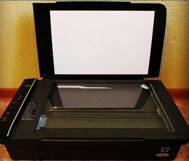 Продам: Сканер МФУ Epson TX117
