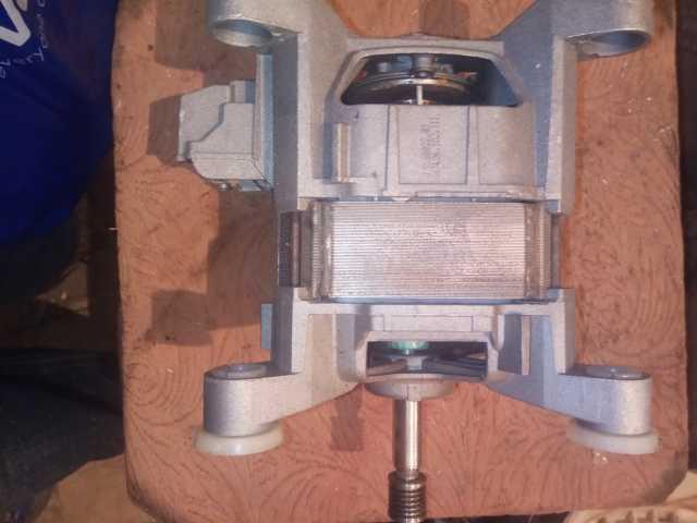 Продам: Двигатель стиральной машины