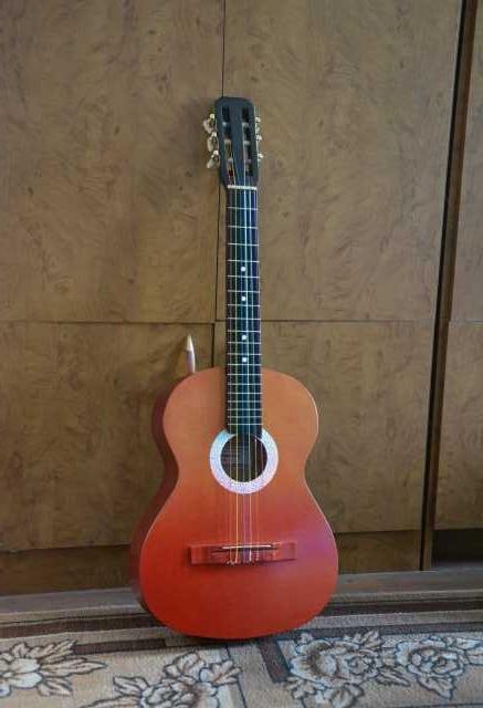 Продам Классическую акустическую гитару