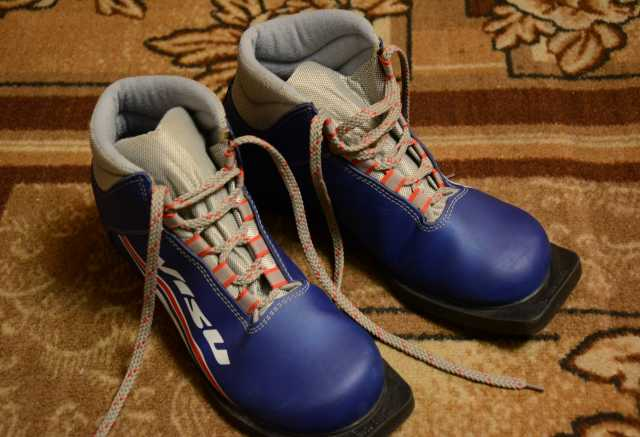 Продам: Лыжные ботинки 37-38 размер