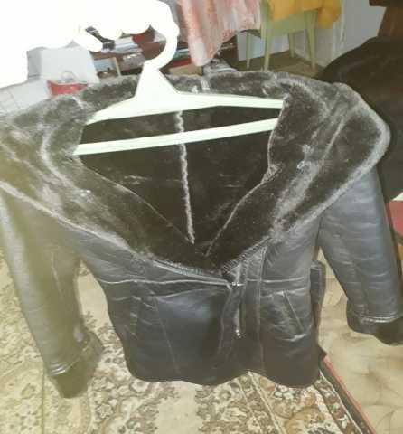 Продам: куртки женские