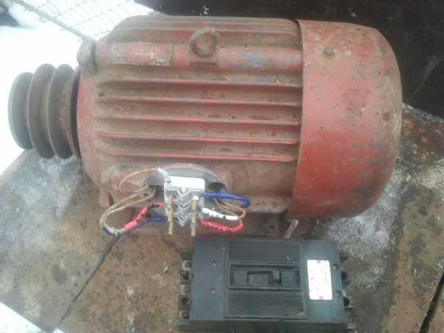 Продам электродвигатель 5,5 кв со шкивом