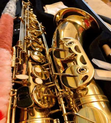 Продам Тенор Саксофон Opus USA с чехлом и 3 тро