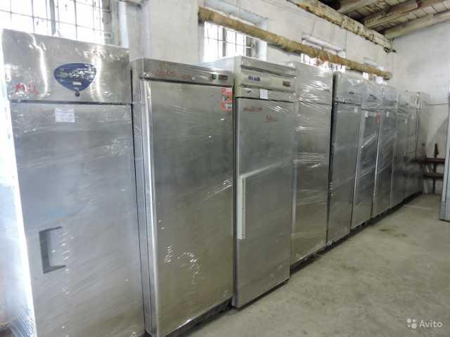 Продам Холодильный шкаф б/у универсальный