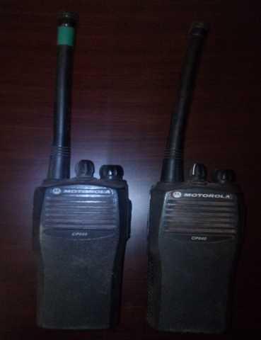 Продам Две радиостанции motorola cp-040
