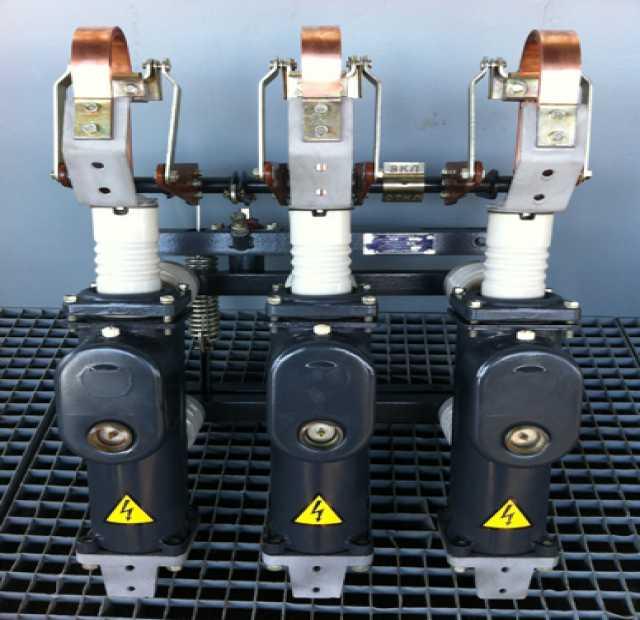 Продам масляные выключатели ВПМ-10