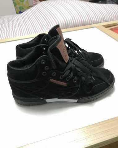 Продам Кроссовки и ботинки