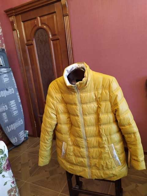 Продам Куртка женская демисезонная б/у