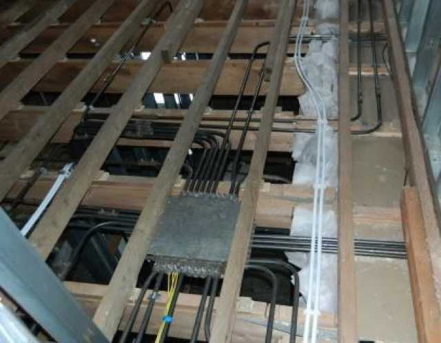 Вакансия: Требуется бригада электриков-сантехников