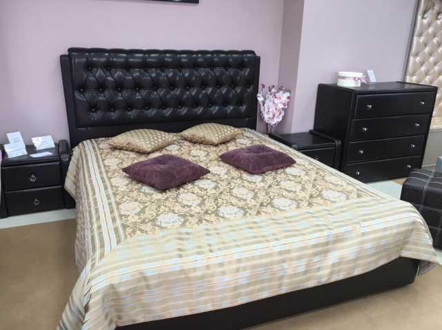 Продам: Кровать с мягким изголовьем