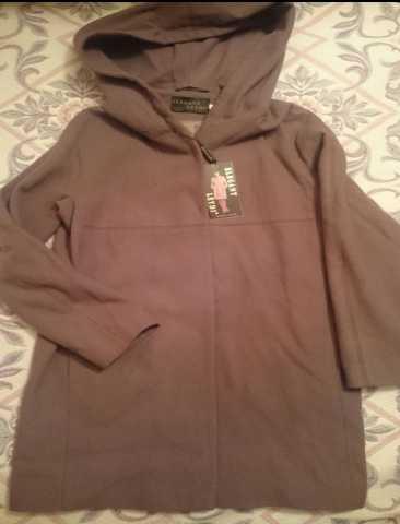 Продам: Пальто новое