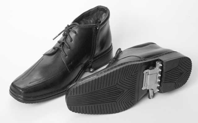 Продам Новые ботинки мужские зимние плюс шипы о